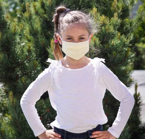 Kinderschutzmaske blassgelb
